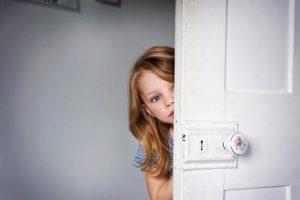 shy-child_239794k