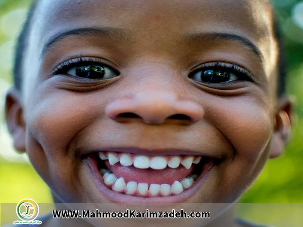 خندیدن و تأثیر آن بر اعتمادبهنفس